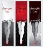 Pés fêmeas em sapatas vermelhas, um vestido como um fundo para o texto ilustração do vetor