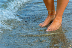 Pés na praia Fotos de Stock Royalty Free