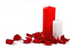 Pétalos y velas de Rose Fotografía de archivo libre de regalías
