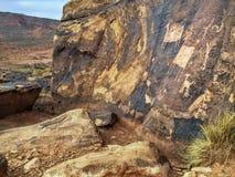 Pétroglyphes d'Anasazi sur la grande roche de grès Photo libre de droits