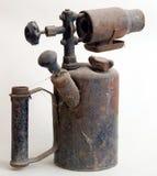 pétrole antique de lampe rouillé Photo stock