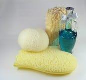 Pétrole et éponges de Bath Images stock