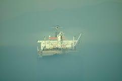 Pétrole et industrie du gaz - pétrolier de grude photographie stock libre de droits