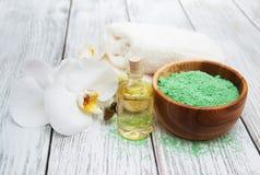 Pétrole et sel de massage Photographie stock libre de droits