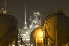 Pétrole-Raffinerie-centrale Photographie stock libre de droits