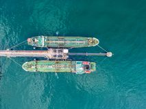 Pétrolier, bateau-citerne de gaz en haute mer Cargaison s d'industrie de raffinerie photographie stock
