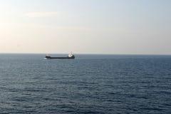 Pétrolier sur la mer Photo libre de droits