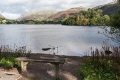 Pêchant au lac Grasmere, Cumbria Photo libre de droits
