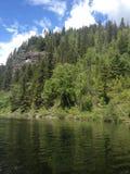 Pêche à un lac en dehors de des kamloops photos libres de droits