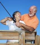 Pêche aînée de couples ensemble Image libre de droits