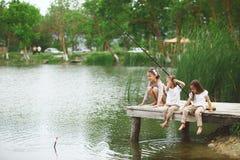 Pêche d'enfants Image libre de droits