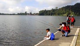 Pêche d'enfants Photo libre de droits