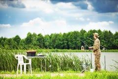 Pêche dans le lac Image libre de droits
