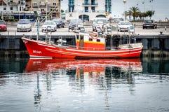 Pêche de attente de bateau Photo stock