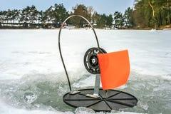 Pêche de brochet d'hiver Photos stock