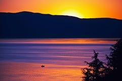 Pêche de coucher du soleil, lac Ohrid Image stock