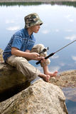 Pêche de garçon Images libres de droits