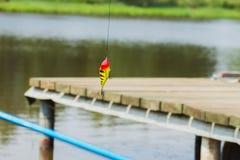 Pêche de l'attrait lumineux sur le plan rapproché de fond naturel Photographie stock libre de droits