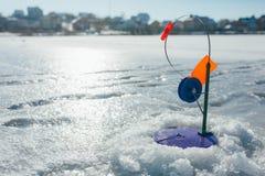 Pêche de l'hiver Pêche de l'hiver Photographie stock