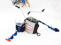 Pêche de l'hiver Cannes à pêche et accessoires Photo libre de droits