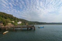 P?che de la jet?e chez Vengurla dans la lumi?re de matin, Sindhudurga, maharashtra, Inde images libres de droits