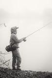 Pêche de la rotation sur une belle rivière Photographie stock