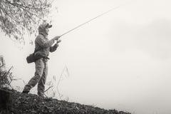 Pêche de la rotation sur une belle rivière Photo libre de droits
