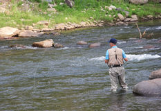 Pêche de mouche sur la rivière de Gunnison dans le Colorado Photos stock