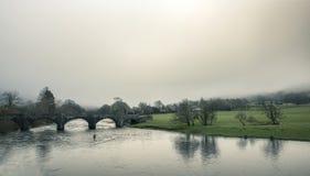Pêche de mouche sur la rivière Dee photographie stock libre de droits