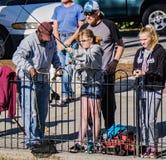 Pêche de truite de familles Photo libre de droits