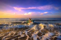 Pêche pendant un nouveau jour Images libres de droits