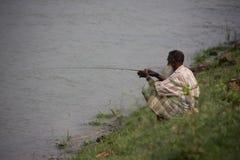 Pêche sur le Gange image stock