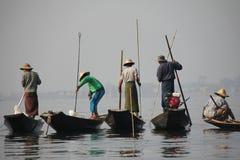 Pêche sur le lac Inle Images libres de droits