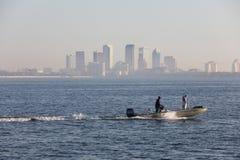 Pêcheur à Tampa sur le bateau Photos stock