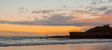 Pêcheur au coucher du soleil Photo stock