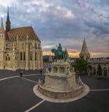 Pêcheur Bastion à Budapest au coucher du soleil Photo libre de droits
