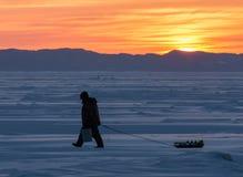 Pêcheur d'hiver images libres de droits