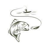 pêcheur dans un bateau et une grande basse de bouche Photographie stock