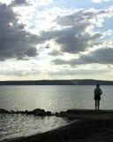 Pêcheur de coucher du soleil photographie stock libre de droits
