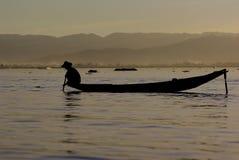 Pêcheur de lac Inle images stock