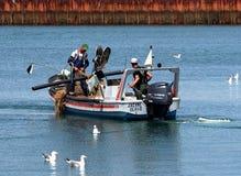 Pêcheur Off Ilha De Culatra Portugal photo stock