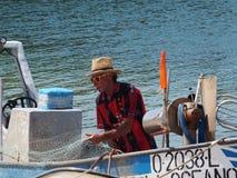 Pêcheur Off Ilha De Culatra Portugal photographie stock