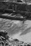 Pêcheur solitaire sur la rivière Kura Image stock