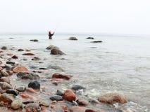 Pêcheur Stones en automne d'eau de mer Photographie stock libre de droits
