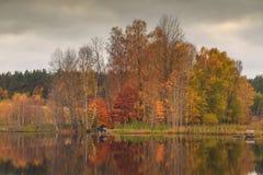 Pêcheur sur le lac photo libre de droits