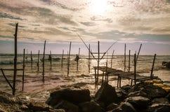 Pêcheurs d'échasse au Sri Lanka Image stock