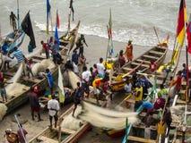 Pêcheurs dans Elmina, Ghana photographie stock