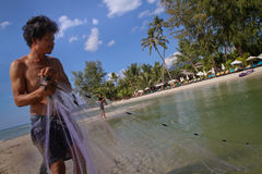 Pêcheurs dans le compartiment sur l'île de Ko Chang photographie stock