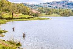 Pêcheurs dans le secteur de lac Images libres de droits