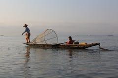 Pêcheurs de lac Inle photographie stock libre de droits
